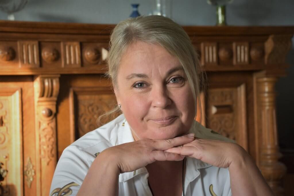 Aggie Öhman författare till boken Prestationsprinsen